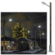 0 Lampe mit Holzmast