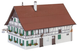H0 Bauernhaus mit Wirtschaft