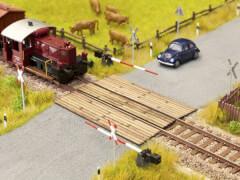 N LC  Bahnübergang Holzbohlen