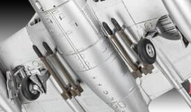 REVELL 03934 Modellbausatz Vampire F Mk.3 1:72, ab 12 Jahre