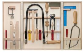 PEBARO Laubsägenschrank aus Holz - große Vielfalt an Werkzeugen