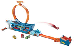 Mattel DWN56 Hot Wheels Stunt N Go Transporter & Trackset