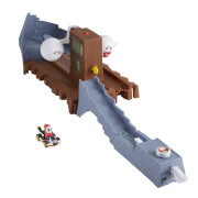 Mattel GNM23 Hot Wheels Mario Kart Boo's Spooky Sprint Track Set