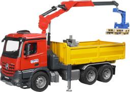 Bruder 03651 MB Arocs Baustellen LKW mit Kran und Schaufelgreifer, ab 3 Jahren, Maße: 58,4 x 20,3 x 30,5 cm, Plastik & Kunststof