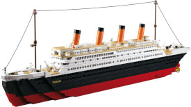 Titanic groß