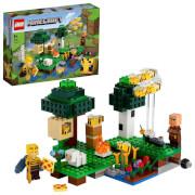 LEGO® Minecraft? 21165 Die Bienenfarm