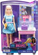 Mattel GYG39 Barbie Big City, Big Dreams Malibu Schminktisch Spielset mit Puppe