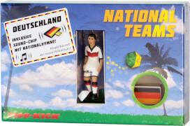 TIPP-KICK Star-Kicker Deutschland in Torwandbox mit Hymne