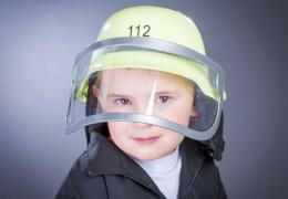 orig. deutscher Feuerwehrhelm mit Klappvisier